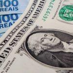 Dólar em queda, gastos em alta